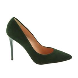 Espinto Pumper På En Grøn Stiletto