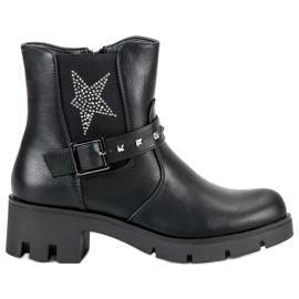 Groto Gogo sort Rock støvler på platformen