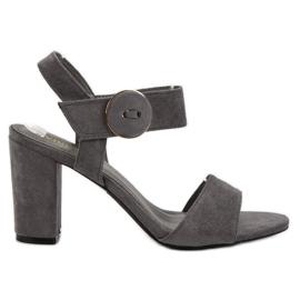 Grå sandaler på UP posten VINCEZA