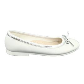 Ballerinas med en bue, hvid perle American Club GC29 / 19