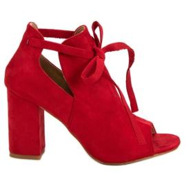 Vinceza rød Opbygge Sandaler På En Bar