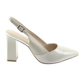 Kvinders sandaler på posten Caprice 29604 grå