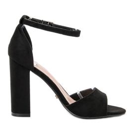 Ideal Shoes sort Komfortable højhælede sandaler