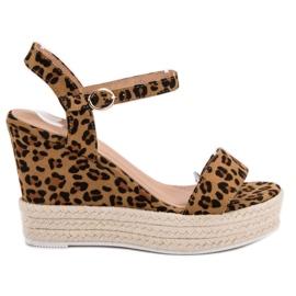 Ideal Shoes brun Stilfuldt Sandaler på Wedge