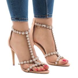 Nøgne sandaler på en pin med 8296-Y studs
