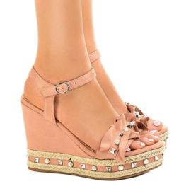 Pink sandaler på kilekugler 2445