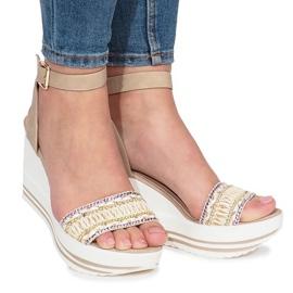 Brun Beige sandaler på Laculpa kile