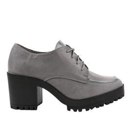 Grå støvler på stolpen HQ651