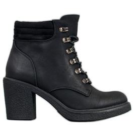 Queen Vivi Snørestøvler lavet af øko læder sort