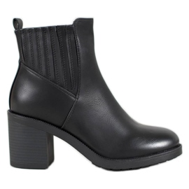 Super Mode Casual Booties On A Bar sort