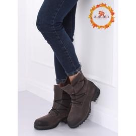 Grå støvler på den grå K1936104 Gris