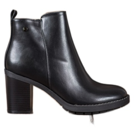 Ideal Shoes Komfortable høje hæle sort