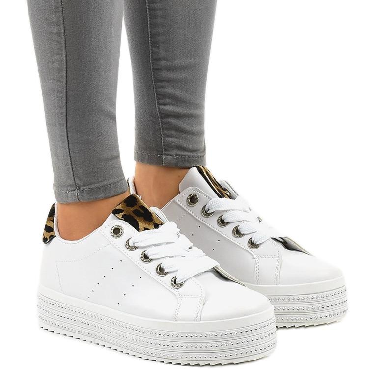 Hvide leopard sneakers på M-071 platformen
