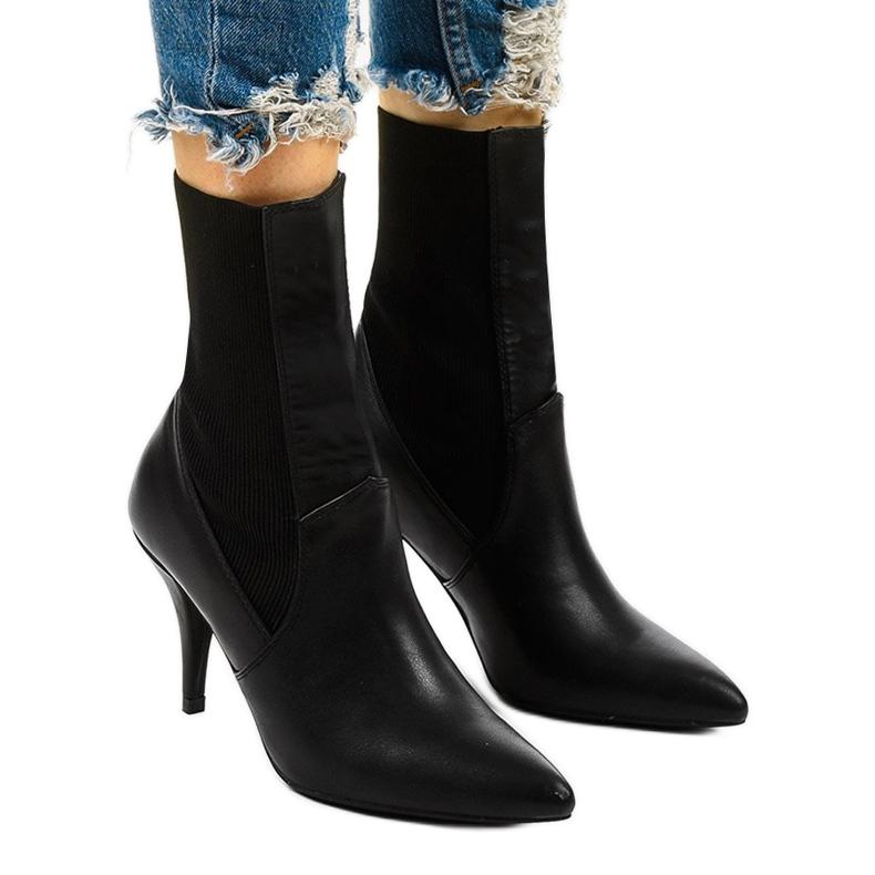 Sorte høje hæle med Daywillow-sok