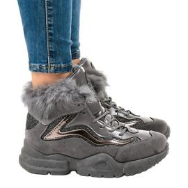 Isolerede grå sneakers LS-2062 3