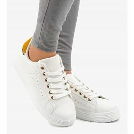 Hvide klassiske sneakers på BK-52 platformen 2