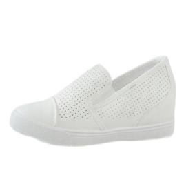 Hvide openwork kilsneakers DD441-2 2