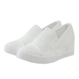 Hvide openwork kilsneakers DD441-2 3