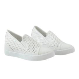 Hvide openwork kilsneakers DD441-2 4