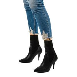 Sorte høje hæle med Daywillow-sok 2